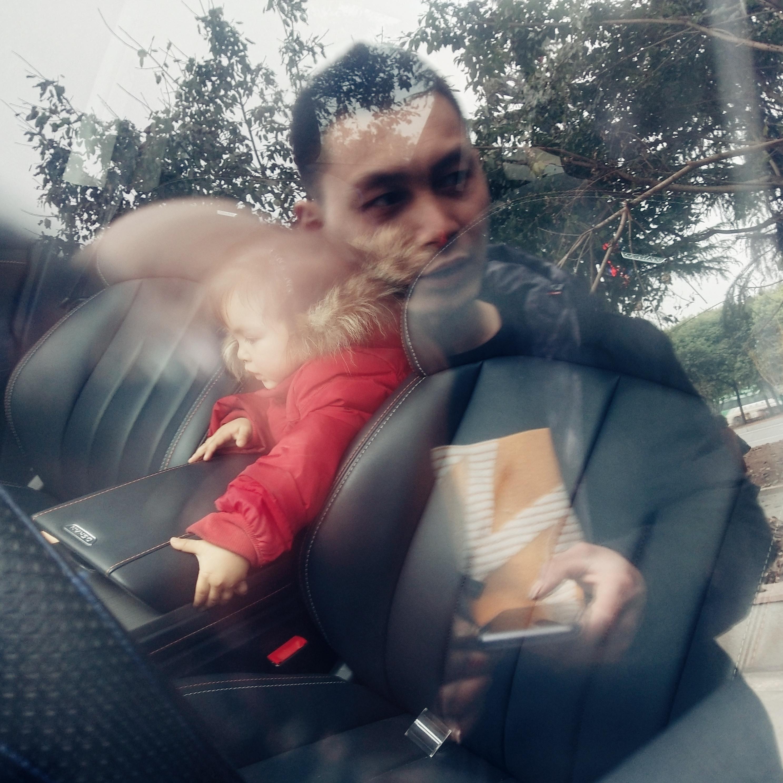 重庆-6小6 《被锁车里的小朋友》 VIVO.jpg